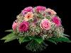Frodig vårlig bukett i rosa og fersken
